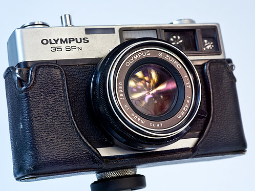 Olympus 35 SPn front view with half case