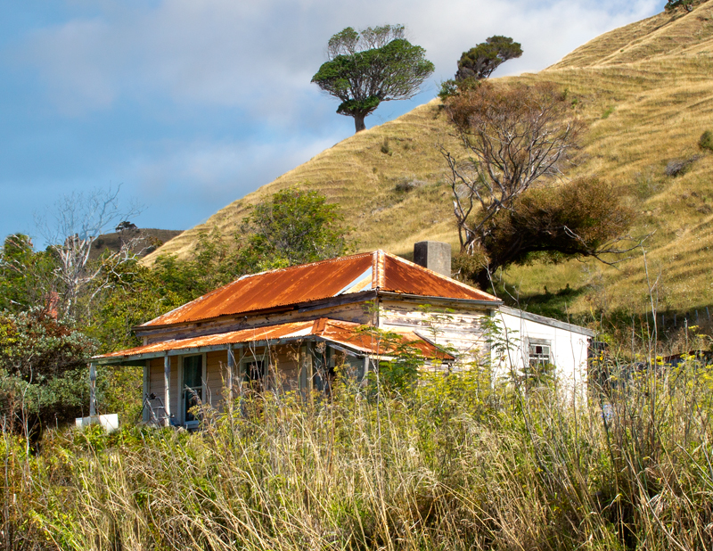 Eastland Tokomaru Bay Cottage