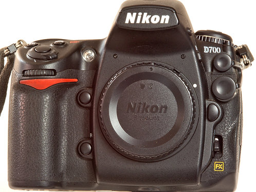 Nikon D700 digital FX camera body