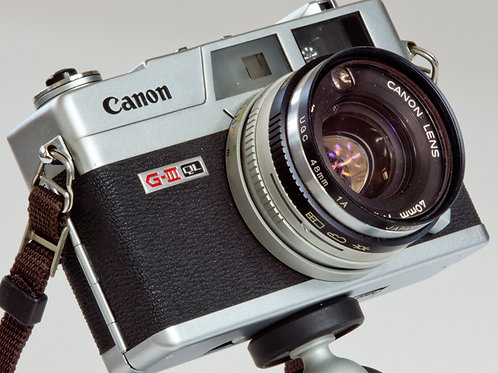 Canon G-III QL rangefinder camera front view