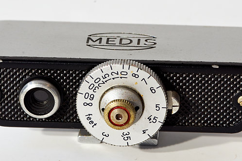Medis shoe mounted rangefinder