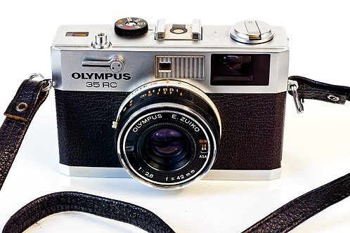 Olympus 35 RC front view