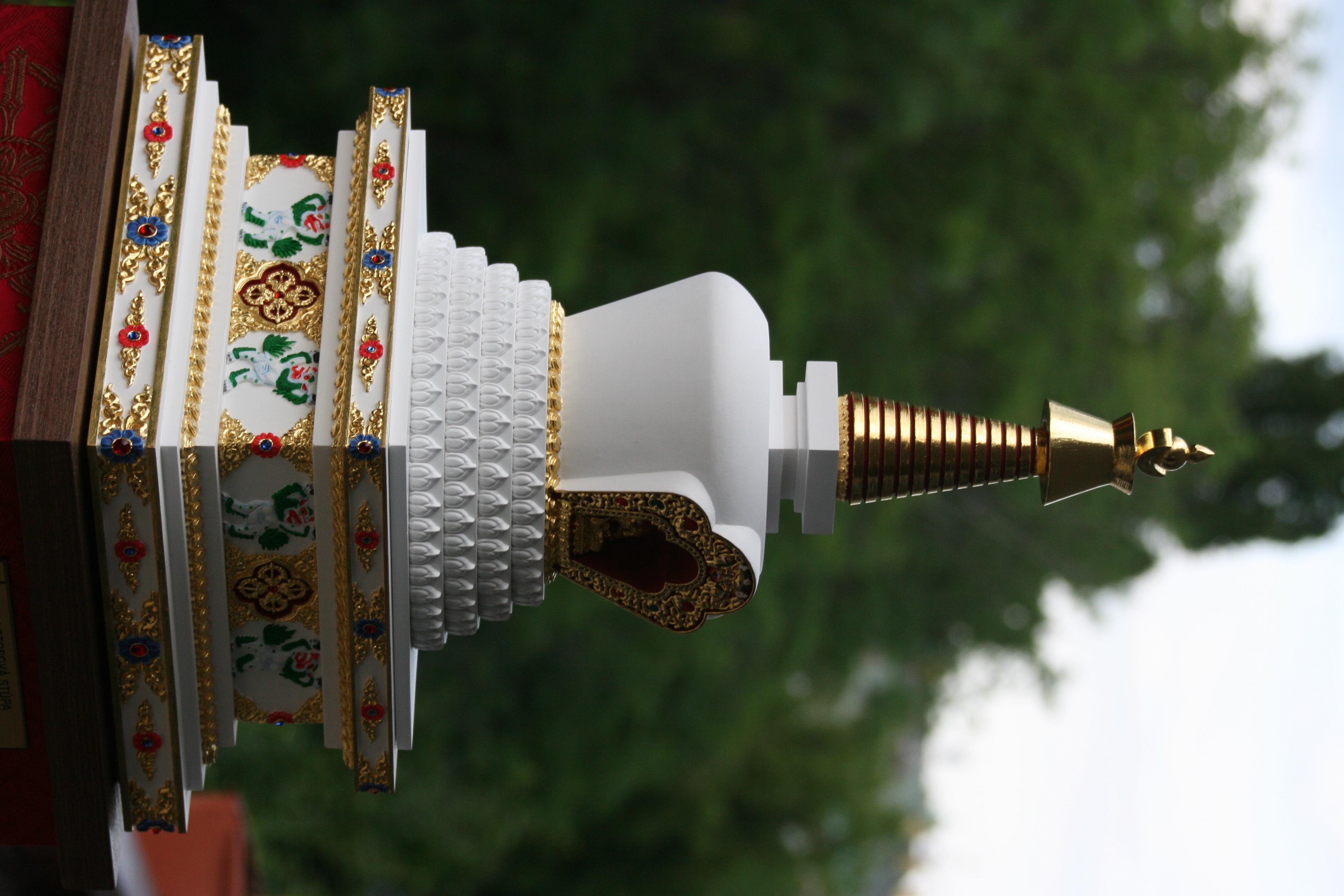 tibetska lotosova stupa 8