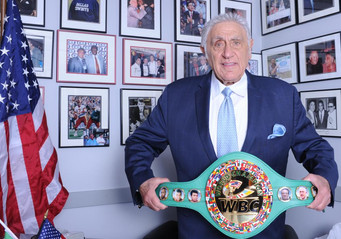 WBC celebrates Jimmy Burchfield's 'relentless will' for boxing with honorary championship belt
