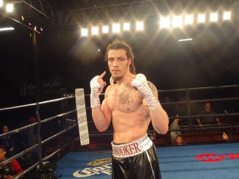 Brooker decisions Aikens; Cintron decisions Flores in front of big crowd in Philadelphia