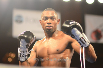 Williams Retains His WBC UNBC Title In A Chaos Finish at Foxwoods.