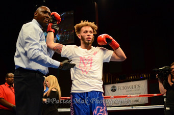 """Marvelous"" Mykquan Williams goes the distance for the UD Win Against Matt ""The Mantis""  Doherty"