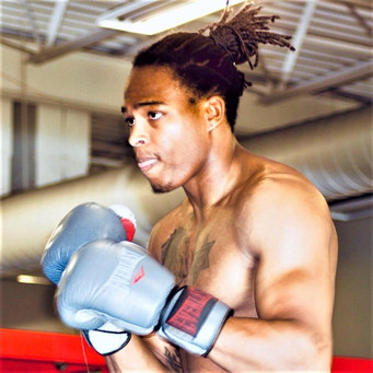 "Undefeated super middleweight prospect ""The Amazing"" Shawn McCalman to join Roach's Fighter Locker"