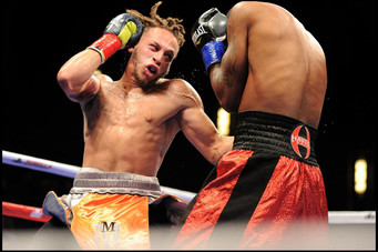 """Wise decision 4 years ago finds  """"Marvelous"""" Mykquan Williams 15-0 as pro today instead of"""