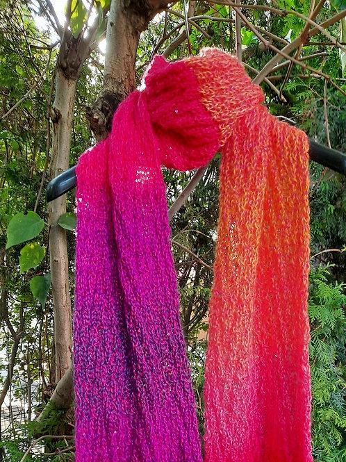 Sjaal met pailletjes in paars-roze tinten HANDMADE
