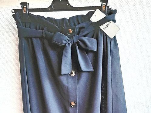 Halflange rok met knopen, maat TU, zwart
