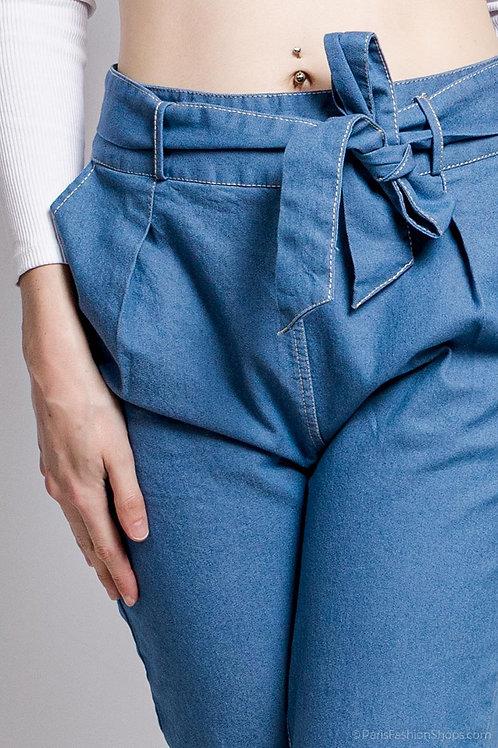 Driekwart jeansbroek met strikceintuur, maten S, M en L