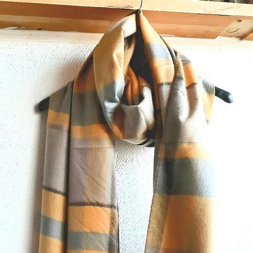 Lange sjaal met gele ruiten