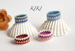 Rings with zigzags