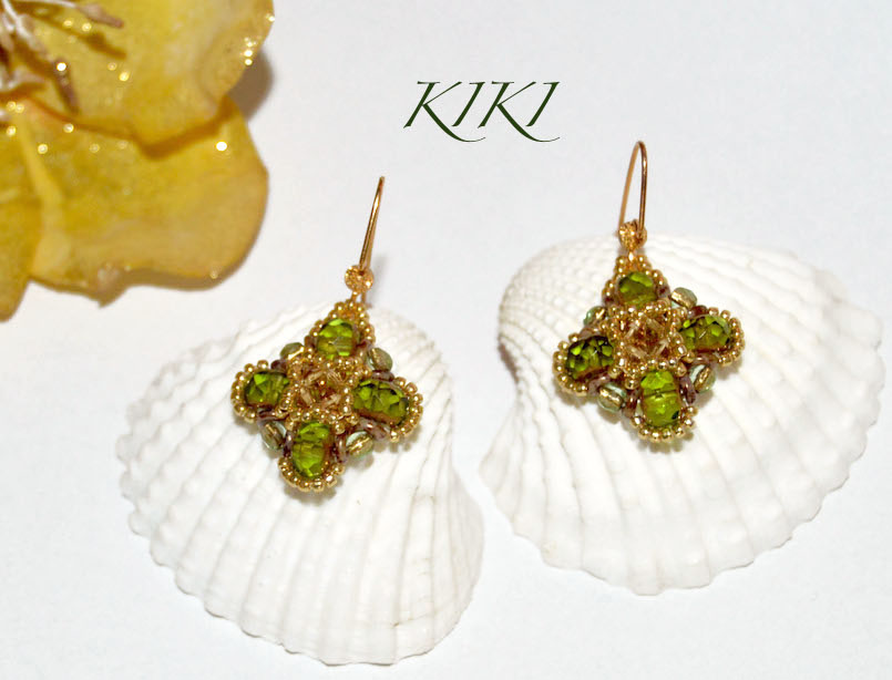 Green gold clover earrings
