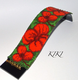 Red flowers peyote bracelet