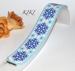 Snowflakes peyote bracelet
