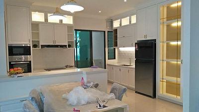 aston villa,buki mertajam penang, simple euro design kitchen with white spray paint jatuh door (Skilled decor)
