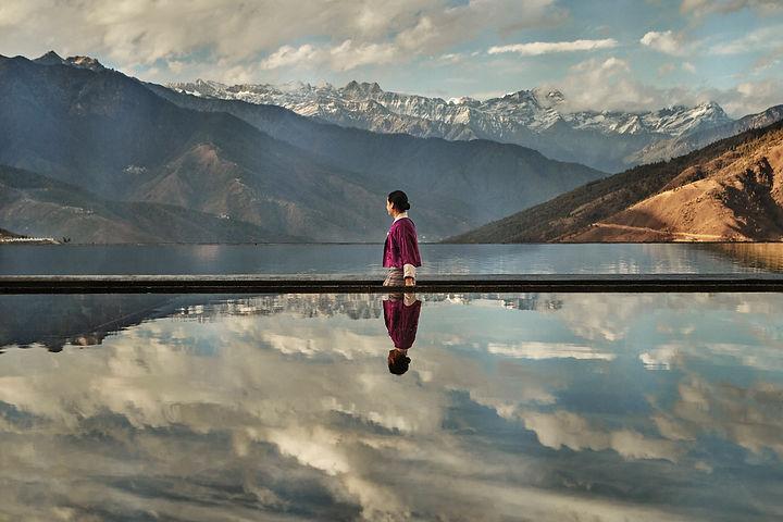 Thimphu_Palace_in_the_Sky_Reflecting_Pond_[9286-ORIGINAL].jpg