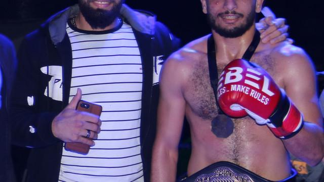 الاضواء تسلط على مباراة البطل المصرى محمود ماندو وبطل اتحاد BRAVE CF الاردنىجلال الدعجة فى البحرين