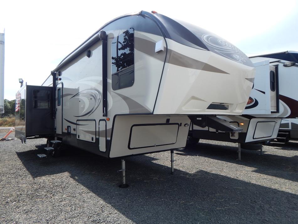 2017 Cougar 333MKS 104