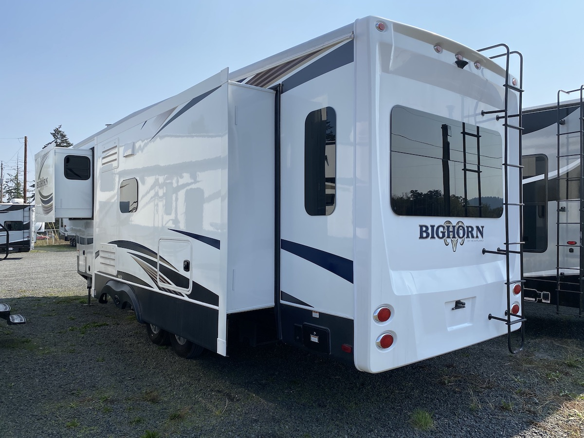 2017 Bughorn 3270RS 102