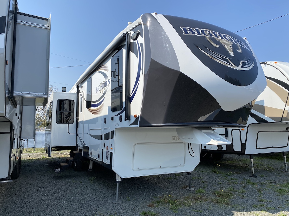 2017 Bughorn 3270RS 104