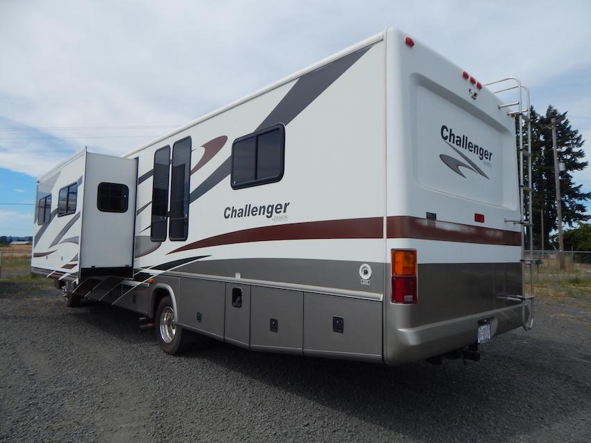 2007 Challenger 348 102