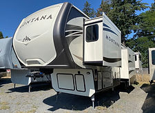 2017 Montana 3791RD 101.jpeg