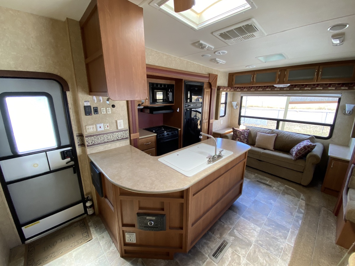 2011 Trailblazer 253FS 107