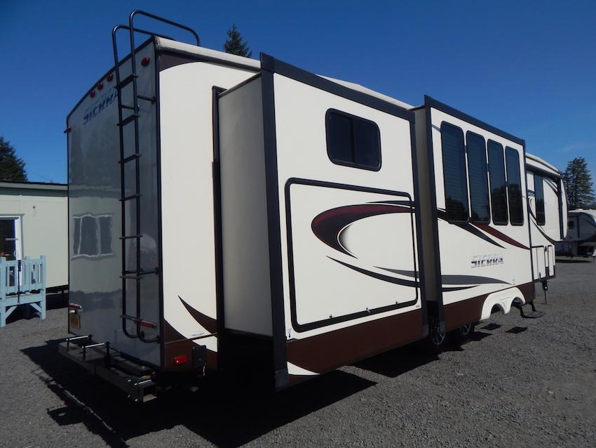 2015 Sierra 380BH5 103