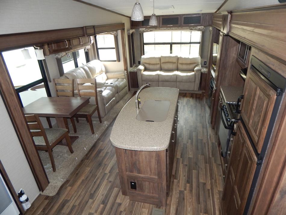 2017 Cougar 333MKS 106