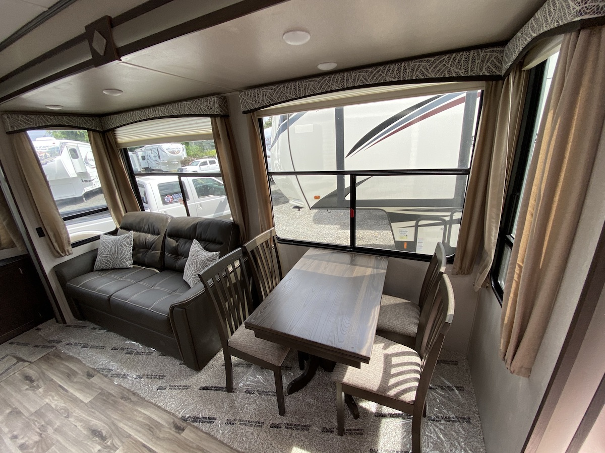 2019 Residence 40MBNK 108