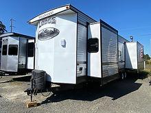 2015 Wildwood Lodge 407REDS 101.jpeg