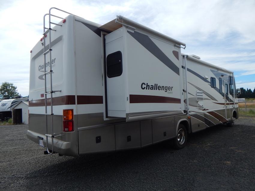 2007 Challenger 348 103
