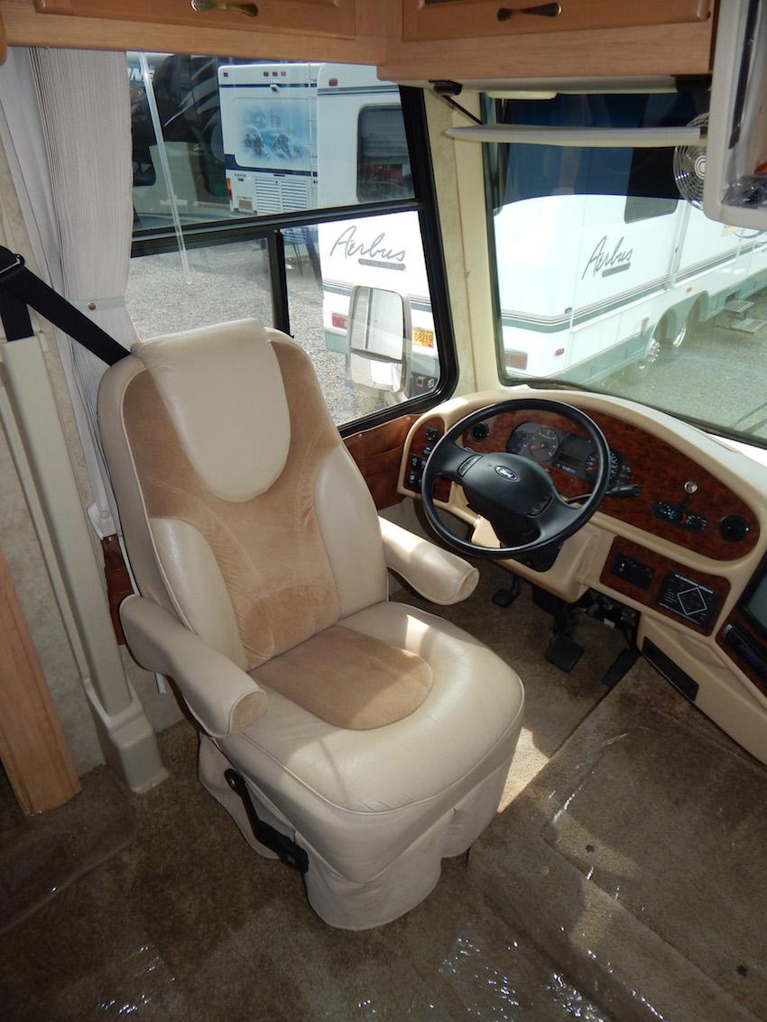 2007 Challenger 348 113