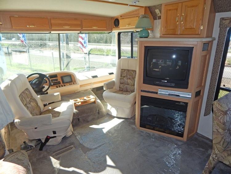 2003 Rexhall Aerbus 3550BSL 112.JPG