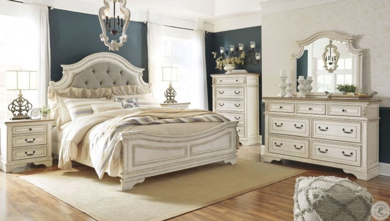 1 WHITE BEDROOM.jpg