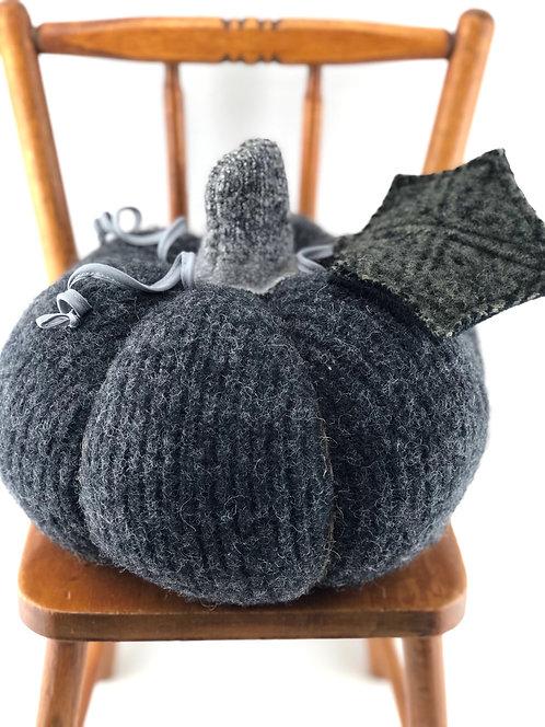 Large Pumpkin - Charcoal Gray