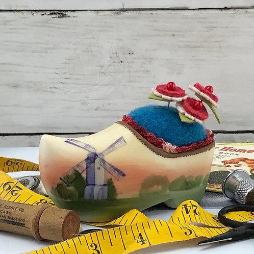 Pincushion - Dutch Shoe