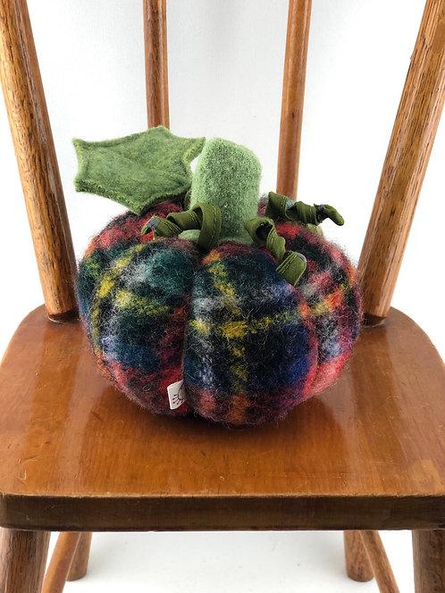 Small Pumpkin -Plaid