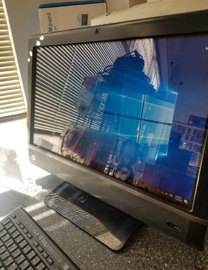 HP Touchsmart 610 $599.99