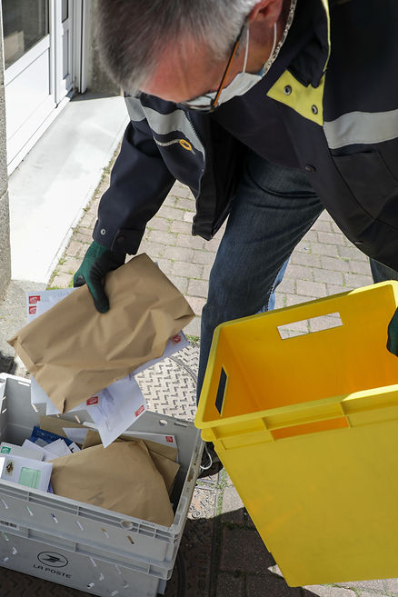 La Poste / Reportage / Alice Fontaine / Crise sanitaire / Covid 19 / Coronavirus / Confinement / Deconfinement / Postiers
