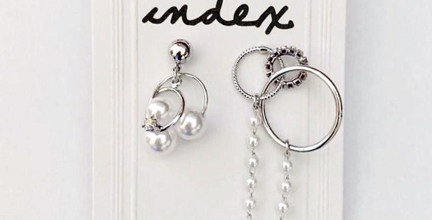 Huggie Circles Grop Earrings