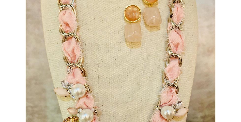 Fabric Warp Necklace