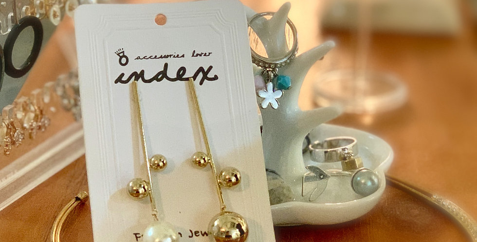 Long Shell Pearl Earrings