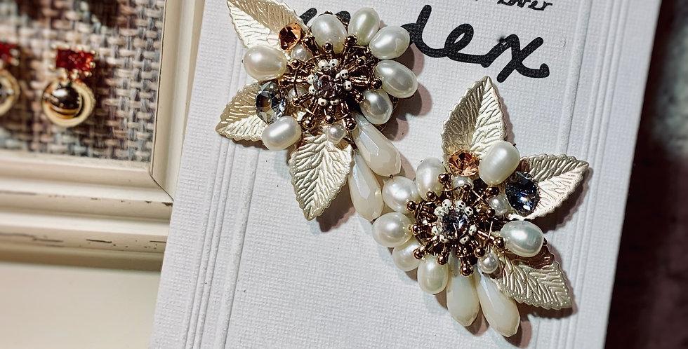 Flower Shape Pearls Earrings