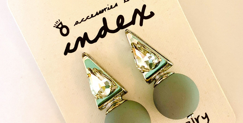 Grey Ball Short Stud Earrings