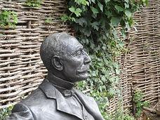 EBM Statue 02 Chris Bennett 190423[22585