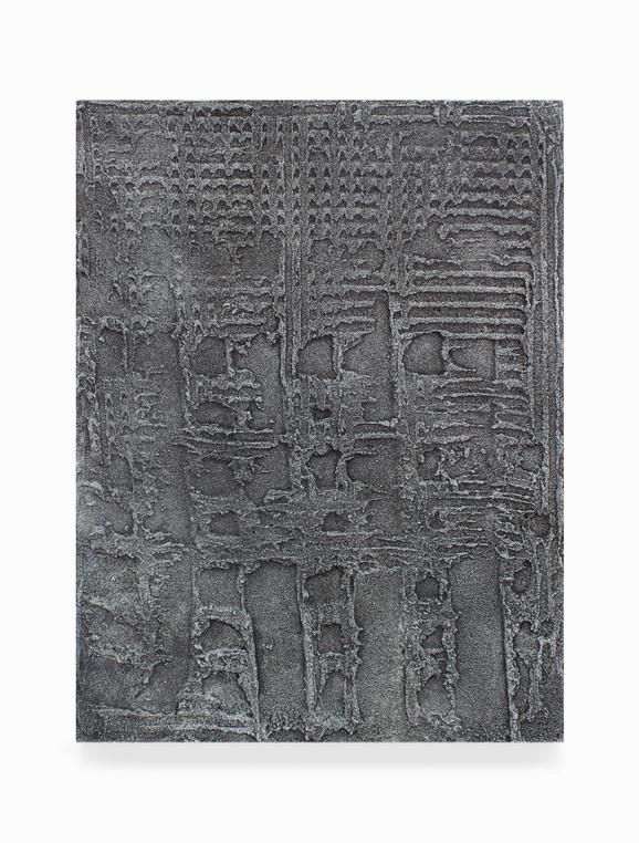 Sin título, 2018. Acrylic, sand, chalk and iron dust on linen. 50 x 38 cm.